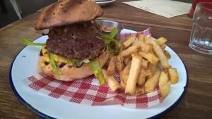 little_creatures_brewery_geelong_canteen_burger